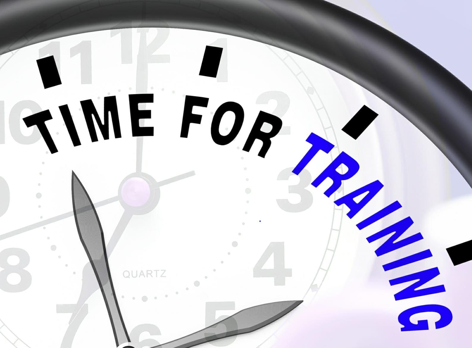 ceas cu mesajul time for training